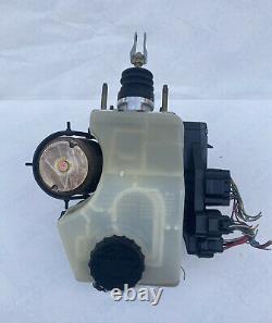 98-05 Lexus GS300 GS400 GS430 ABS Anti Lock Brake Booster Pump Master Cylinder