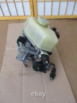 89-90 Buick Riviera / Reatta Abs Anti Lock Brake Pump Master Cylinder Booster